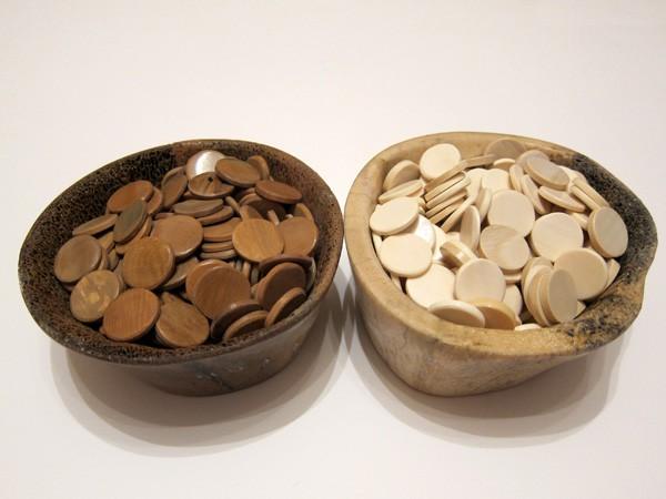 Комплект камней из кости мамонта и носорога